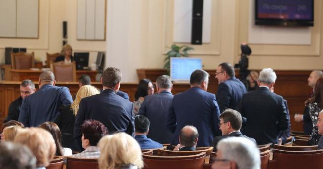 Парламентътотхвърли искане на БСП за изслушване на вицепремиера Валери Симеонов