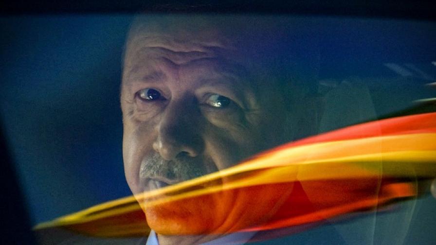 Десетки протести очакват Ердоган в Берлин