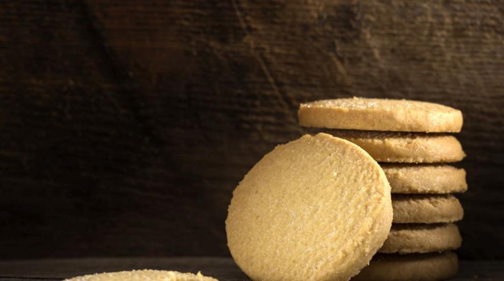 Бисквити с изтекъл срок на годност раздали в столични училища