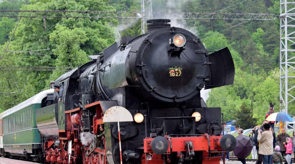 БДЖ организира атракционно пътуване с ретро влак за Деня на Независимостта