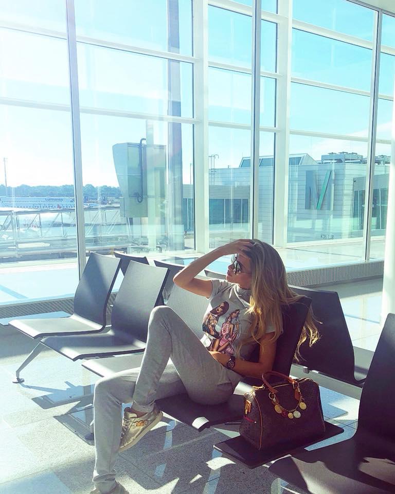 """""""Мис България"""" 2017 Тамара Георгиева стана """"Мис Планет"""" 2018. Международният конкурс за красота се проведе в Тбилиси, Грузия. Българката се съревновавала с още 34 участнички."""