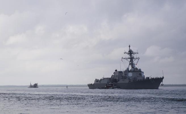 Китайски боен кораб прогони американски разрушител
