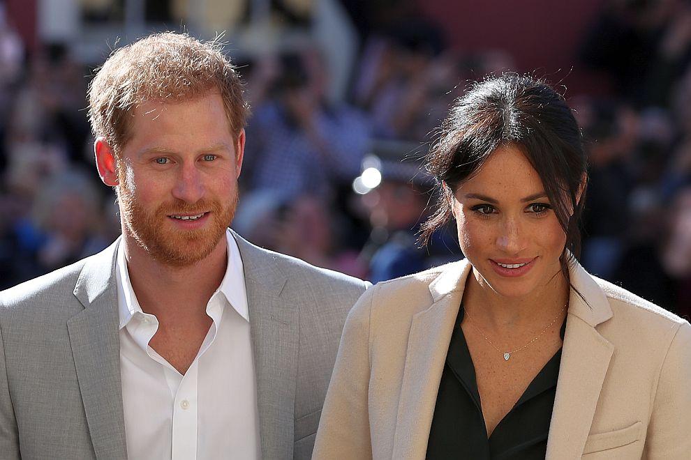 Хари и Меган на първата си визита в Съсекс като херцог и херцогиня