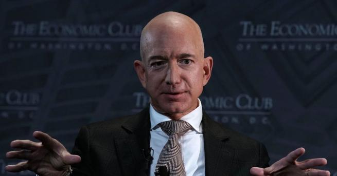"""Шефът на американската компания """"Амазон"""" Джеф Безос отново оглави списъка"""