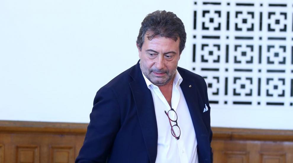 След поредно неявяване в съда: Проверяват болничния на Константин Каменаров