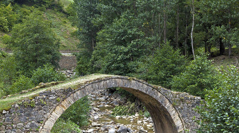 Исторически мост в Турция изчезна безследно (ВИДЕО)