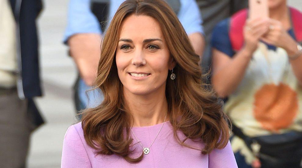 Херцогиня Кейт не се притеснява да облича една и съща рокля два пъти...