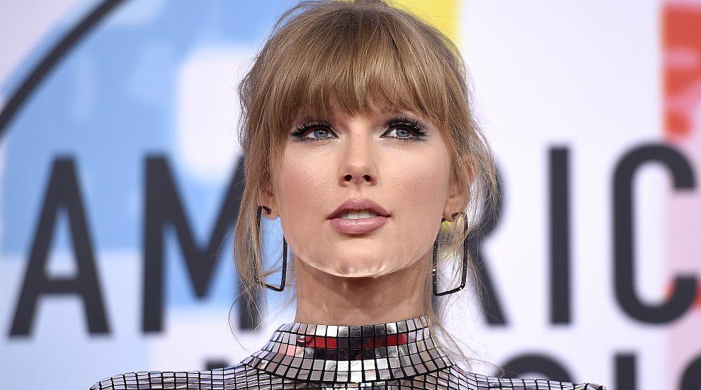 Тейлър Суифт влезе в историята на Американските музикални награди