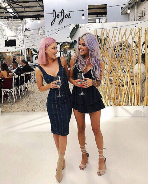 Ели и Бруук са родом от Австралия. По професия близначките са диджеи. Двете решават да градят кариера в дует и са особено атрактивни с честата смяна на цвета на косите си, който всеки път е искрящ и нетипичен.