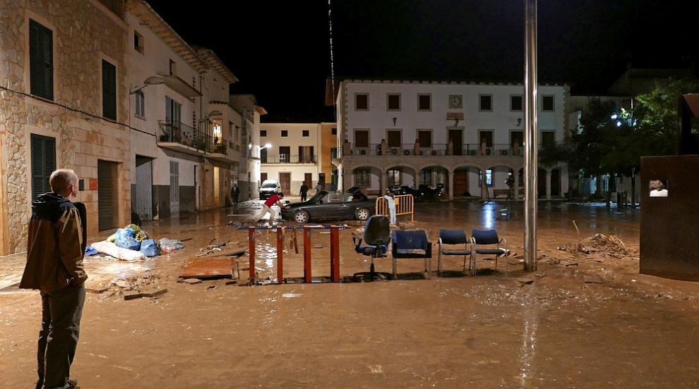 Жертвите на наводненията на испанския остров Майорка станаха 12