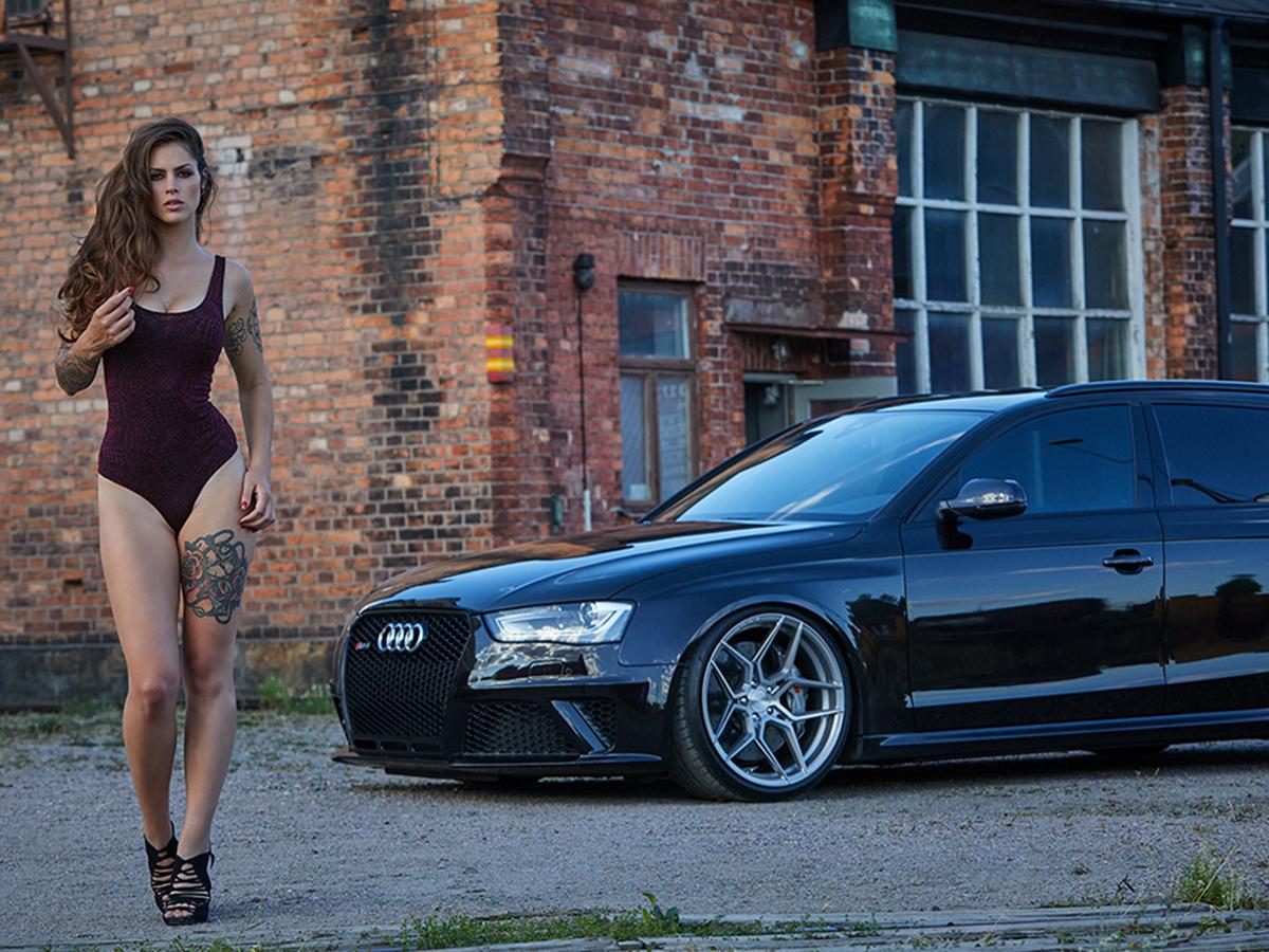 Юни, Audi RS4