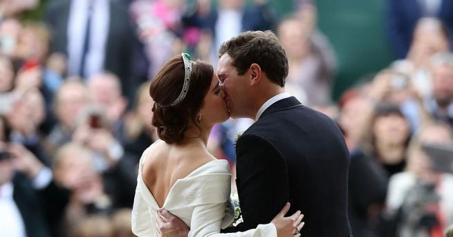Специалист по езика на тялото определи първата целувка на принцеса