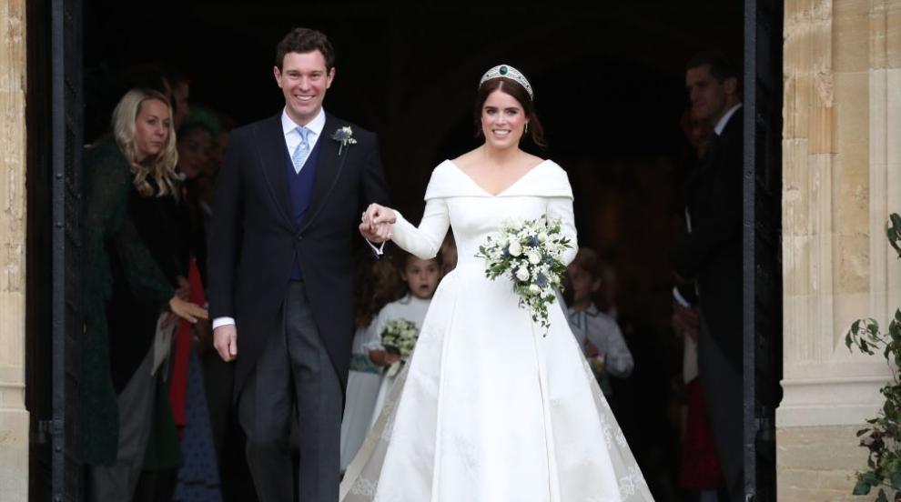 Разпространиха официални снимки от сватбата на принцеса Юджини и Джак...
