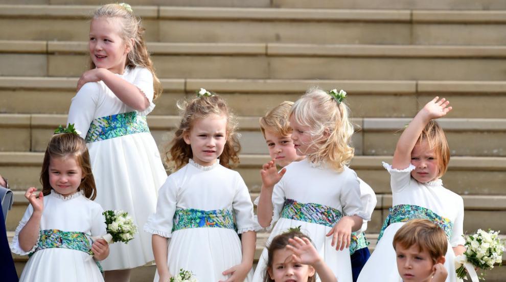 Падания, игри и чаровни усмивки – малките шафери на принцеса Юджини...