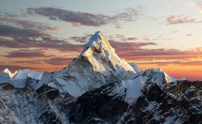 Седем алпинисти загинаха в Непал