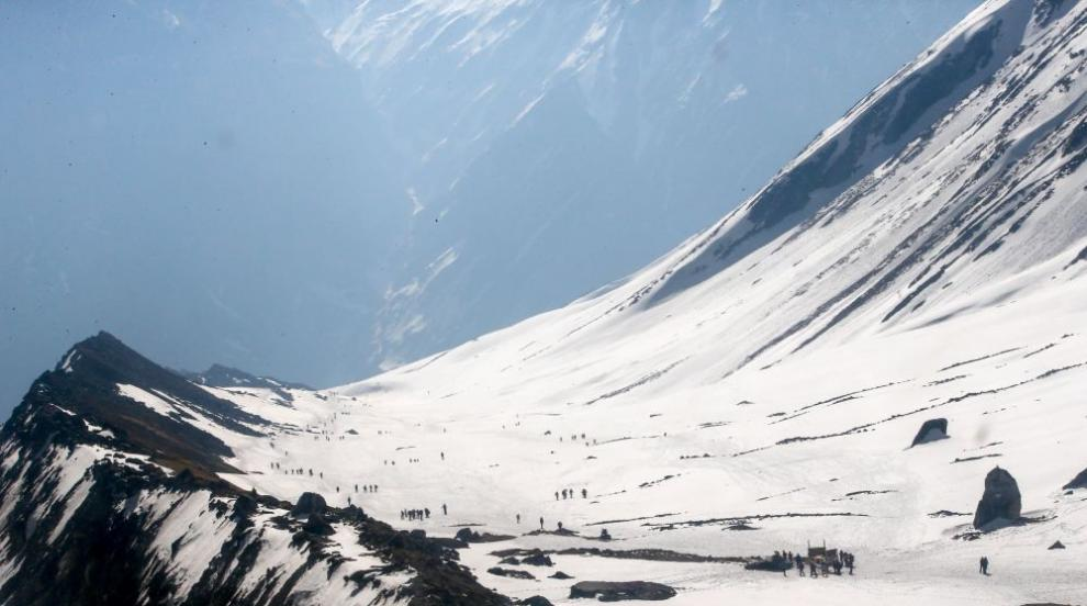 Алпинисти загинаха в снежна буря в Непал