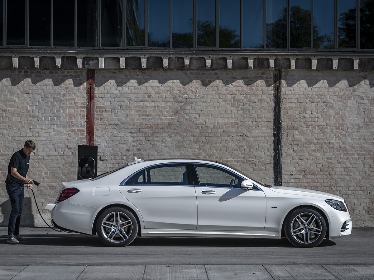 Mercedes-Benz S560e