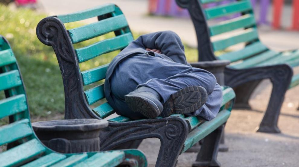 Калифорния дава близо 300 сгради за ползване от бездомници