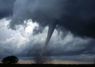 Бурята Исаяс нанесе щети и в Канада