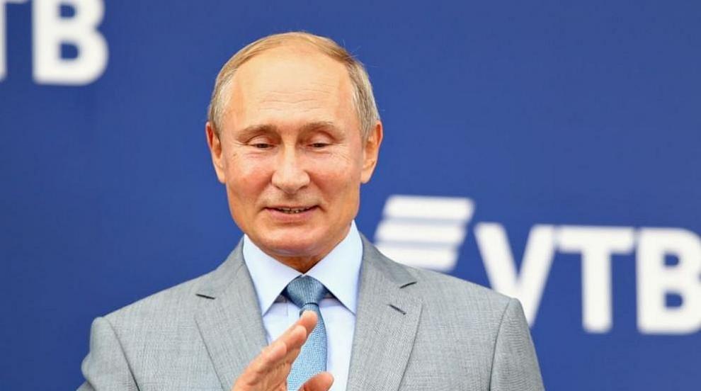 Путин в необичайна за него роля