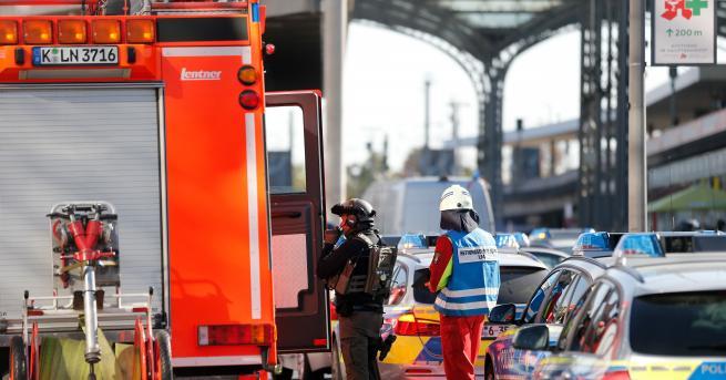 Заложници са взети близо до централната гара в Кьолн. Инцидентът
