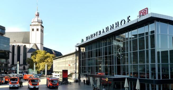 Германската полиция не изключва нападението в Кьолн да е с