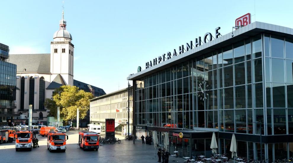 Разследват терористичен мотив за нападението в Кьолн (ВИДЕО)
