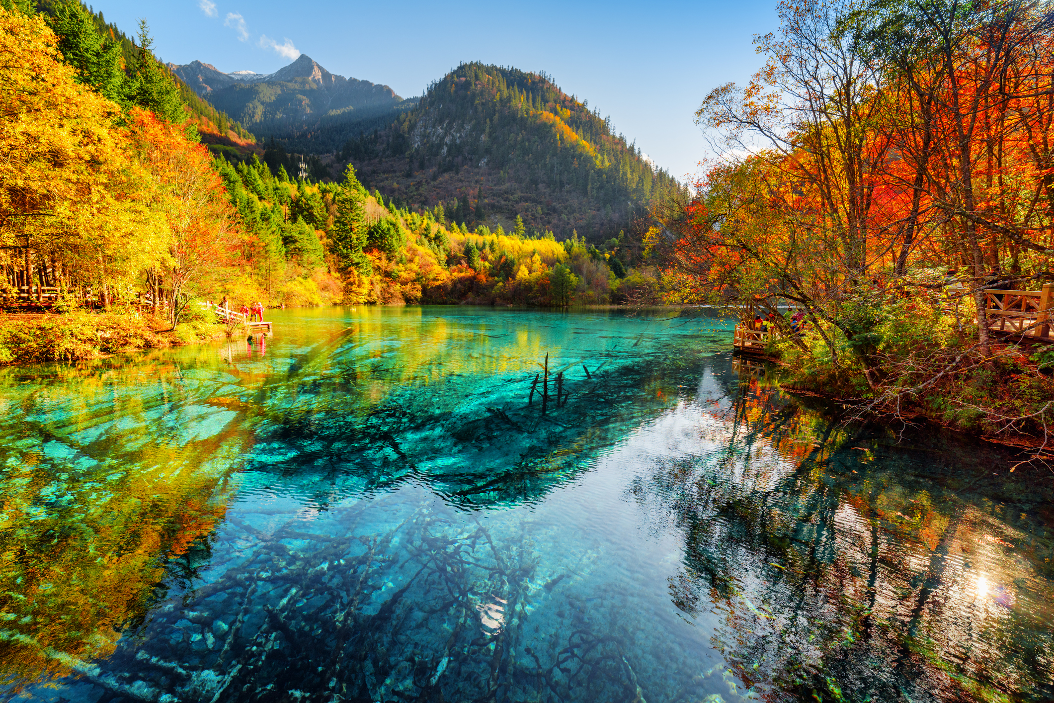 Петцветно езеро, Китай