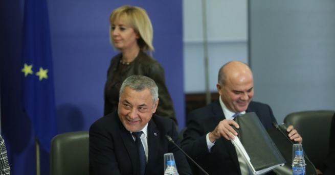 Вицепремиерът и председател на тристранния съвет Валери Симеонов благодари на