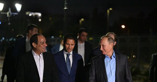 Руският президент Владимир Путин и египетският му колега Абдел Фатах