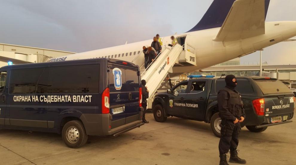 Северин Красимиров беше екстрадиран в България (СНИМКИ)