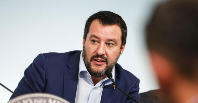 Италианският вицепремиер и вътрешен министър Матео Салвини, който е и