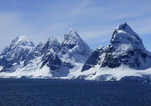 Песента на ледник Рос