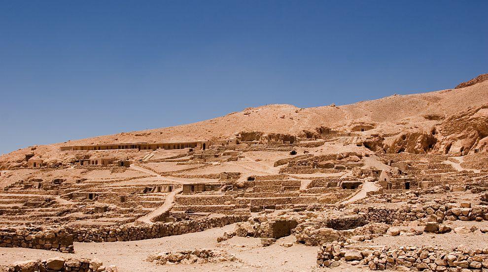 Разкриха значението на татуировките върху древноегипетска мумия (СНИМКИ)