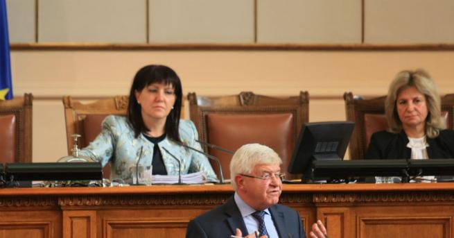 Министърът на здравеопазването Кирил Ананиев се ангажира да търси консенсус
