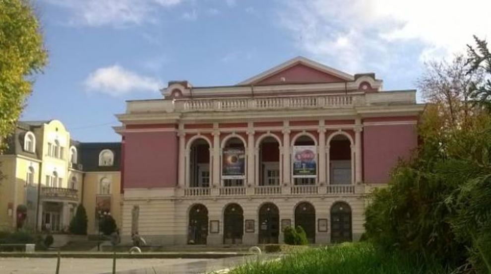 Банов: Хубавото е, че операта в Русе има застраховка...