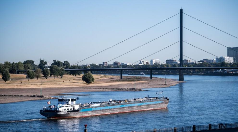 Суша в Германия: Корабите по Рейн спряха заради ниското ниво на водата