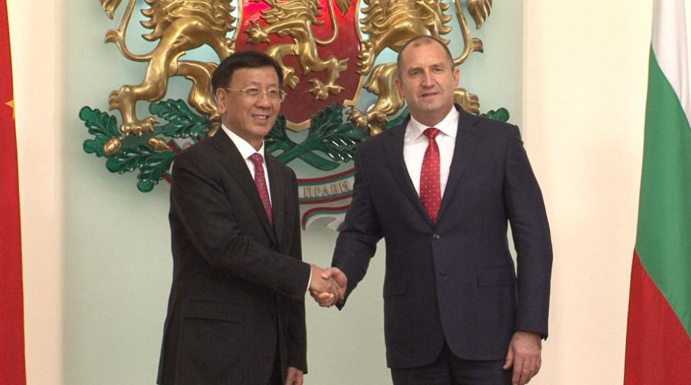 Президентът Радев призовава за засилване на инвестиционното...