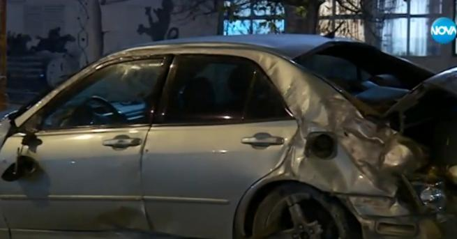 Дрогиран шофьор блъсна с колата си седем автомобила на излизане