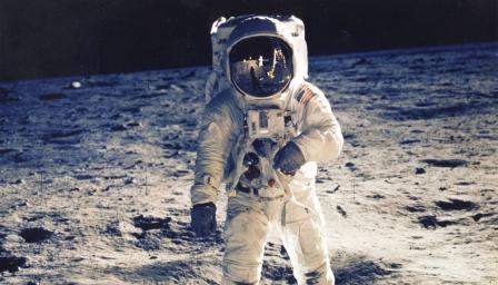 Колко е важно за американците да се върнат на Луната?