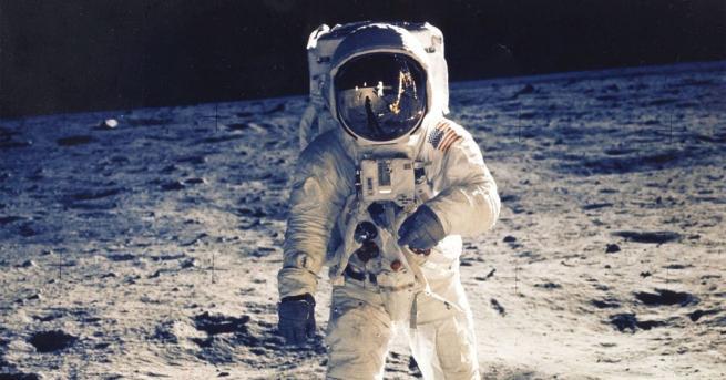Американците предпочитат космическа програма, фокусирана върху потенциалните сблъсъци с астероиди,