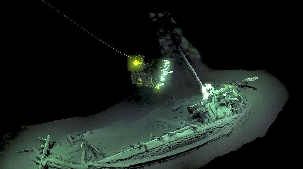 Откриха най-древния непокътнат кораб в света на дъното на Черно море (СНИМКИ)