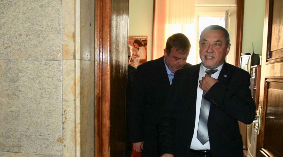 След коалиционна среща на Обединените патриоти: Валери Симеонов няма да...