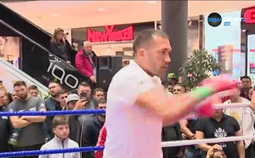 Кобрата демонстрира боксова класа преди мача с Фюри