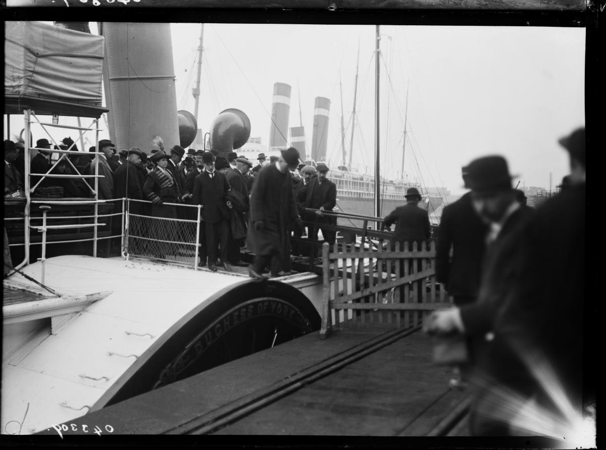 Оцелелите от Титаник се завръщат в Англия в началото на май.
