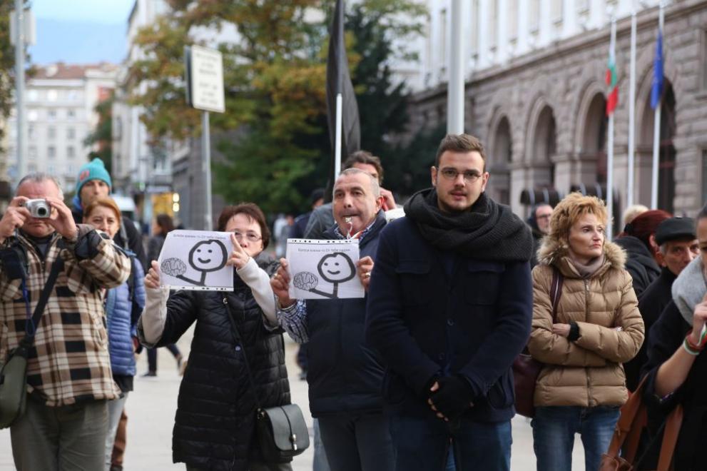 Ден трети на протести за оставката на Валери Симеонов