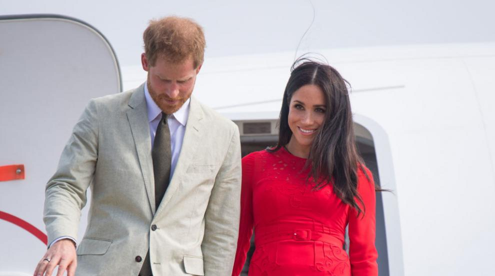 Хари и Меган в Тонга: Херцогинята избра яркочервена рокля като знамето на...
