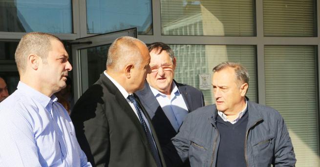 Борисов проведе среща в Търговище, за да не се забави