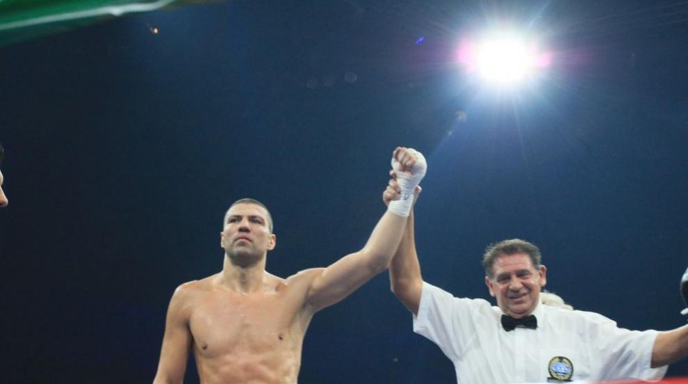 Тервел Пулев се е боксирал със счупена ръка срещу Уилямс
