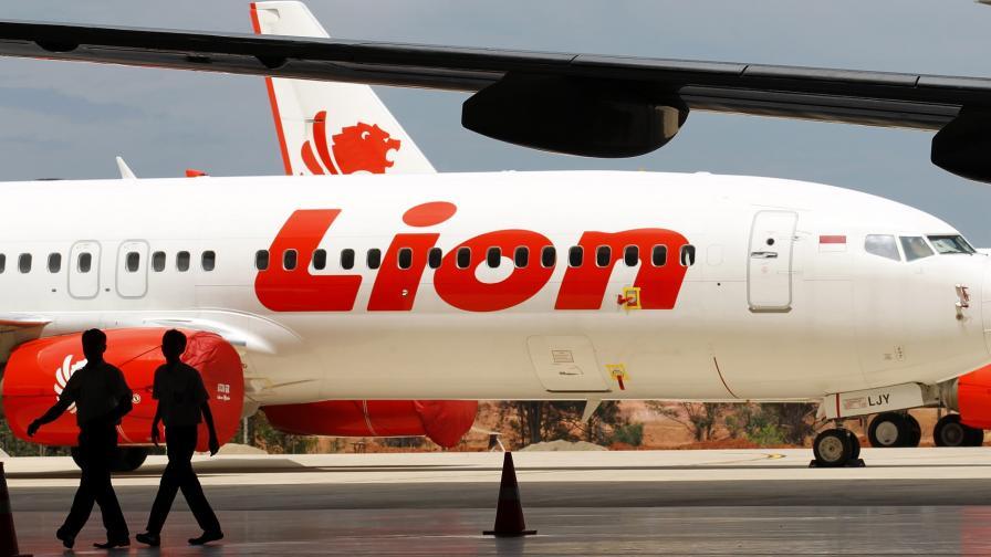 <p>Свидетел разказва какво е станало със самолета на &bdquo;Лайън еър&ldquo;</p>